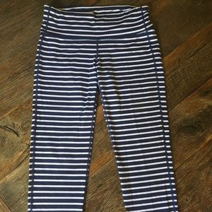 Athleta crop, navy and white, size small